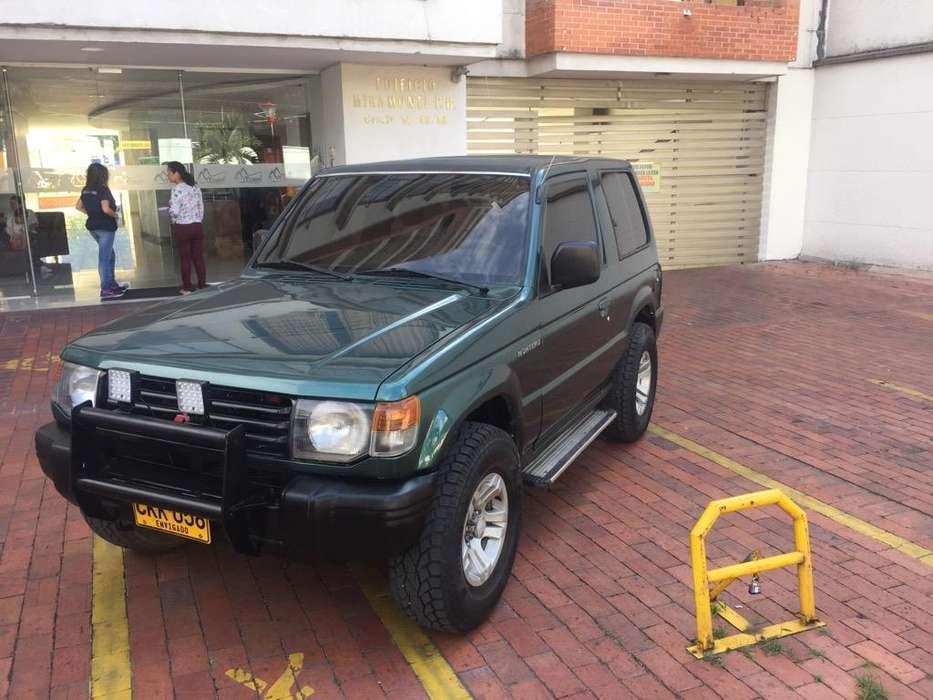 Mitsubishi Montero 1998 - 186000 km