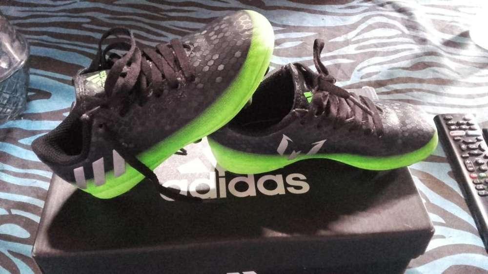 Vendo Botines Adidas Igual a Nuevo