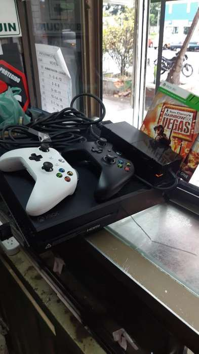 Xbox One 2 Controles 1 Juego Y1 Digital