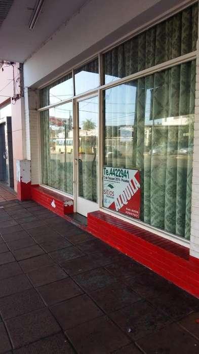 Alquilo local comercial sobre av Uruguay