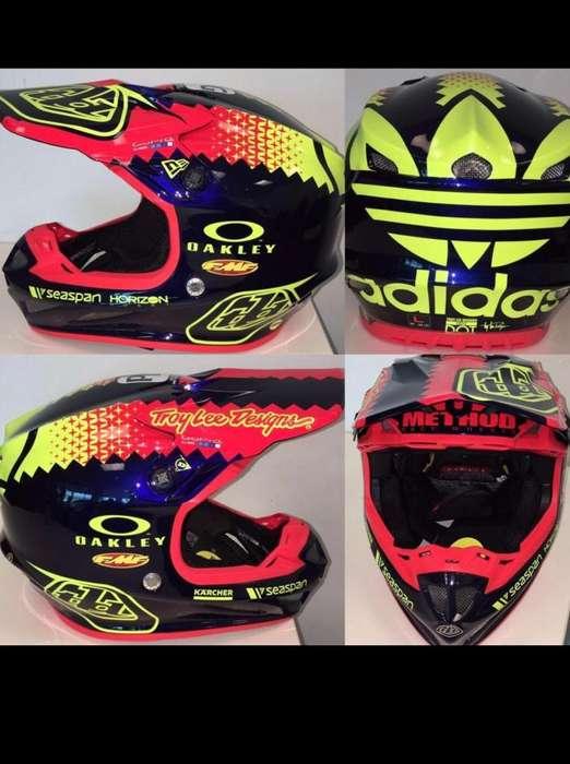 Casco Troy Lee Designs Adidas