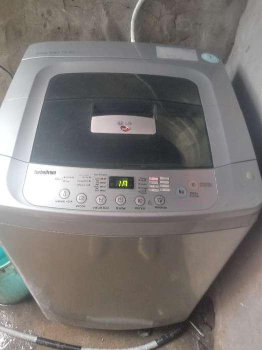 Lavadora Marca Lg de 10.5 Kilos