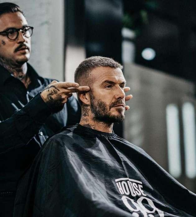 Se Necesita se busca Barbero Con experienci