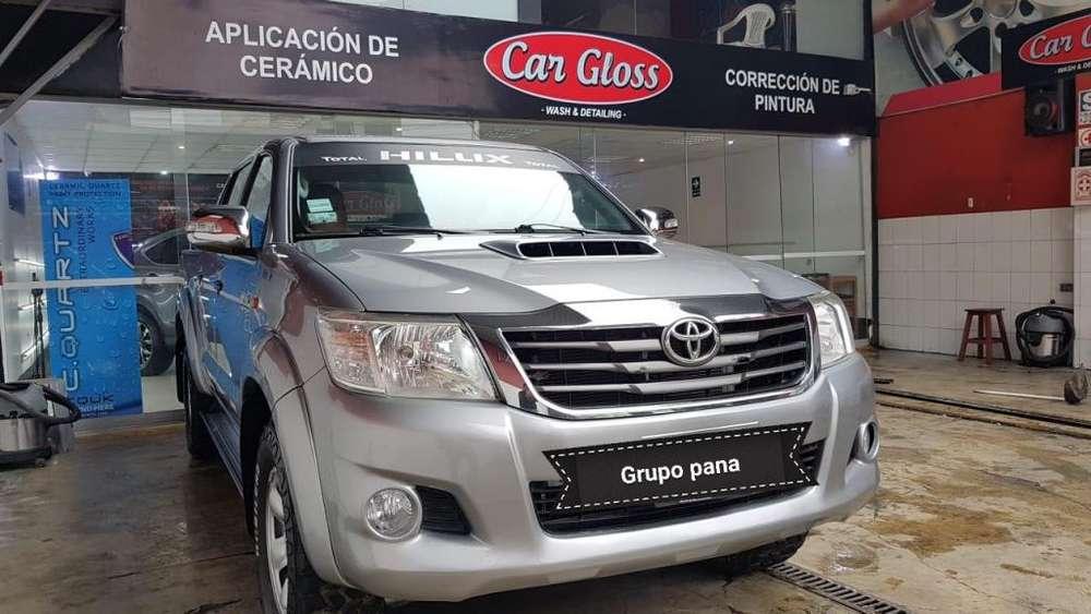 Toyota Hilux 2015 - 80000 km