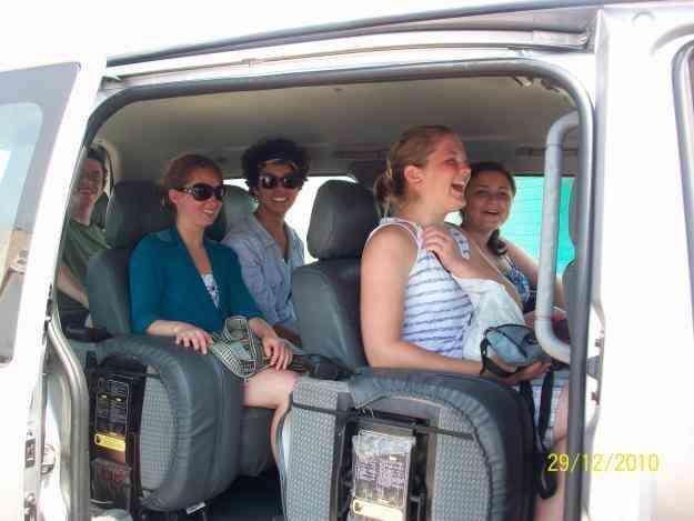 transporte turistico en buses y furgonetas en Quito, Guayaquil, Cuenca, Ibarra, Otavalo, Tulcan etc.