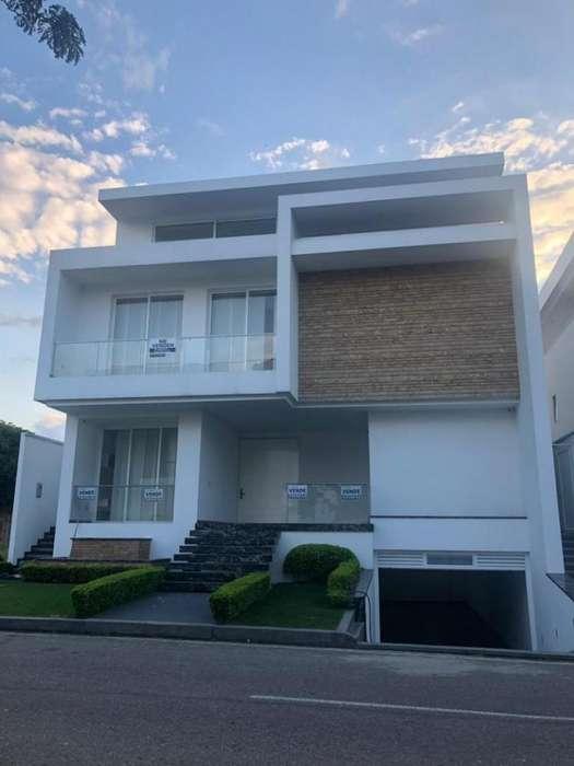 Cod. VBHCI-1169 Casa En Venta En Cúcuta Via Al Tennis
