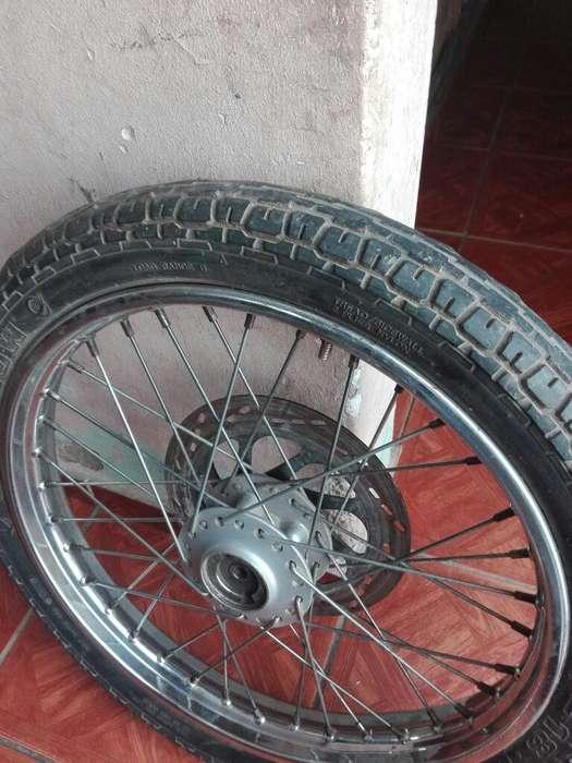 Vendo Rueda Delantera de Moto 150