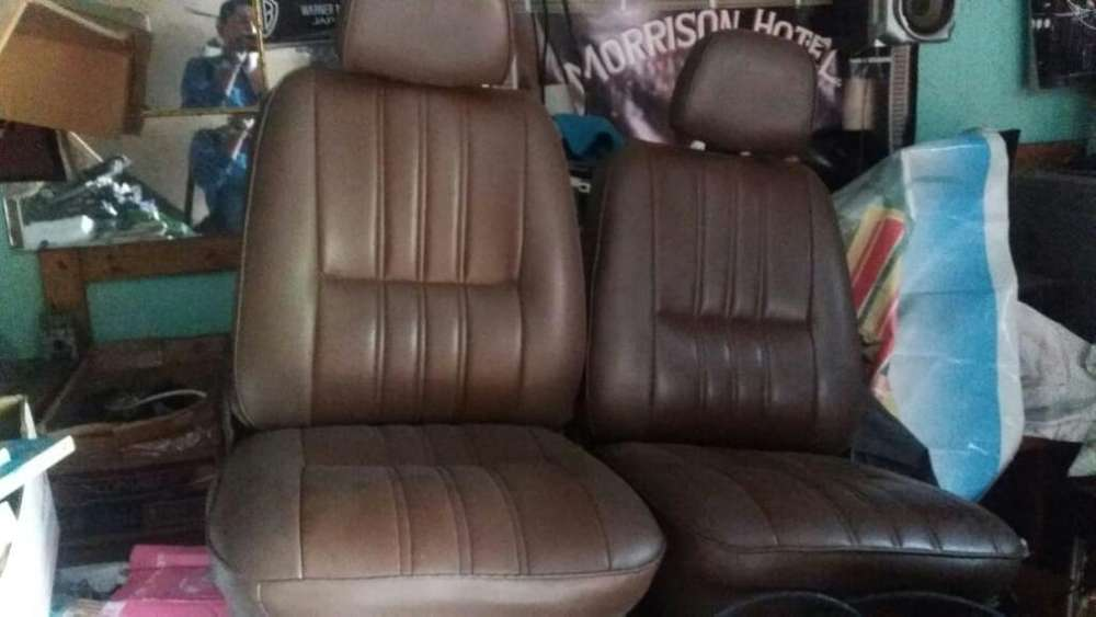 Vendo Asientos para Datsun 1200
