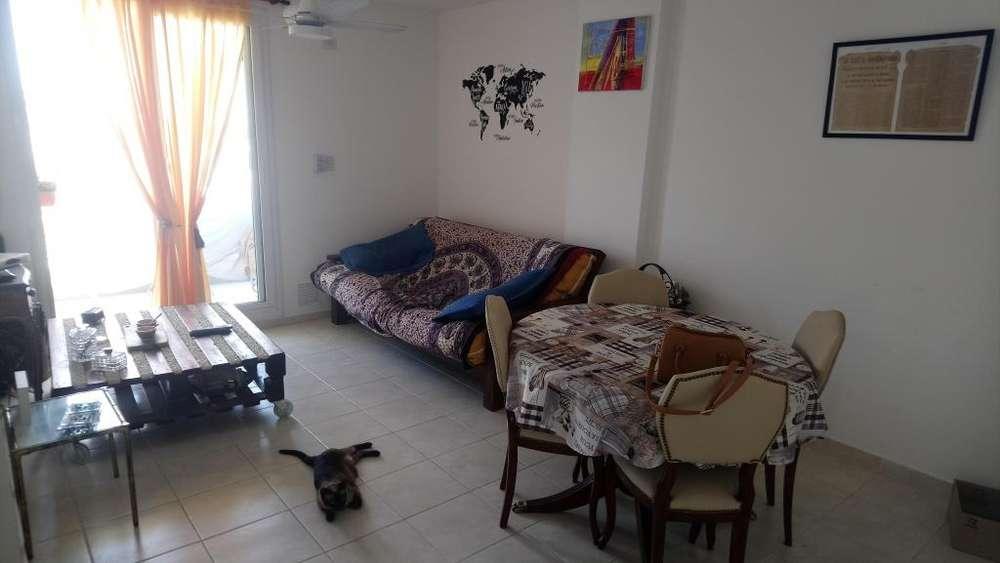 Se Vende Departamento de 2 habitaciones en Santa Fe. Excelente iluminación y ubicación
