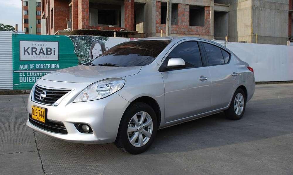 Nissan Versa 2012 - 77000 km