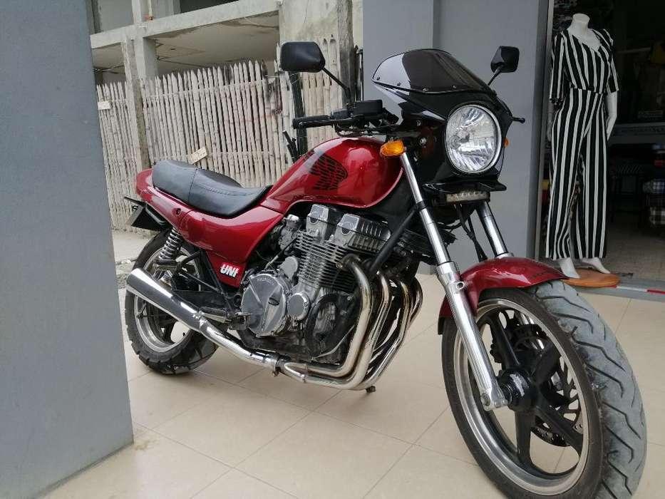 Clásico Mundial Honda Nighthawk 750