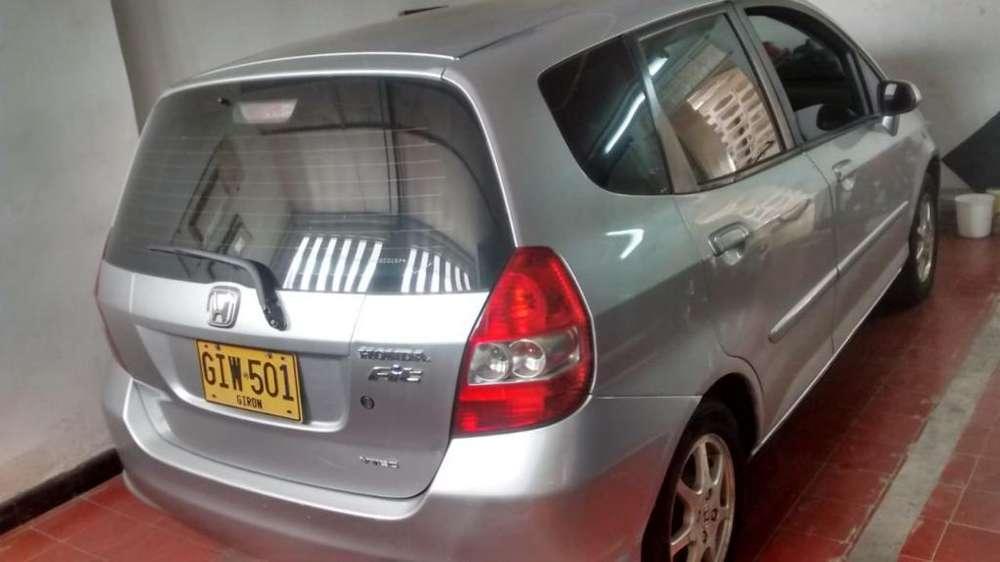 Honda FIT 2007 - 136 km
