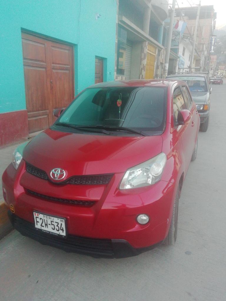 Se vende por ocasion una Toyota Urban llamar 952374697