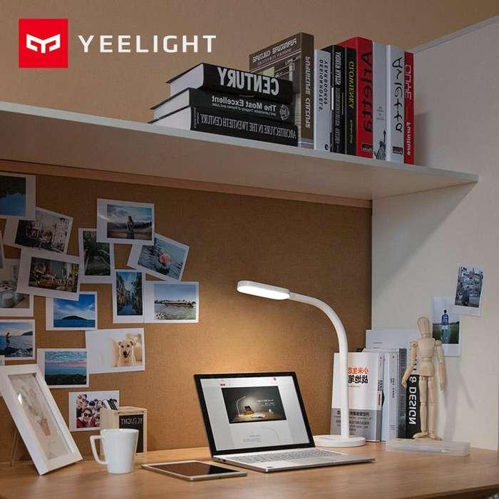 Yeelight Lámpara LED de Escritorio con control de brillo y temperatura