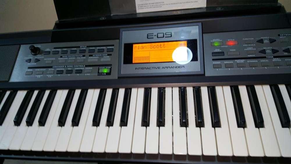 Teclado Sintetizador Roland E09