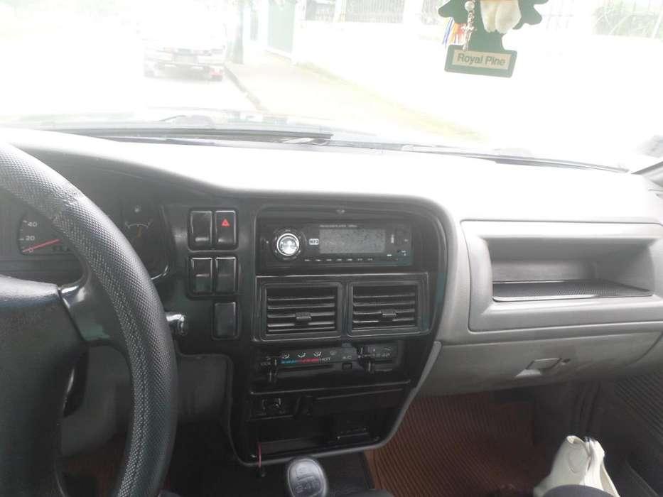 Chevrolet Luv 2001 - 255000 km