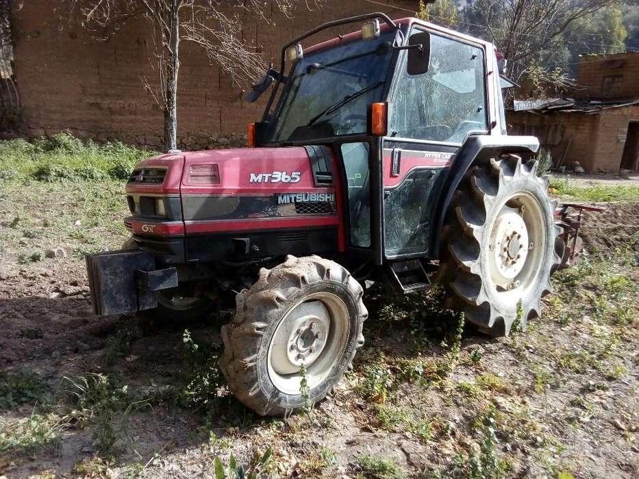 Tractor Mitsubishi Año 2005