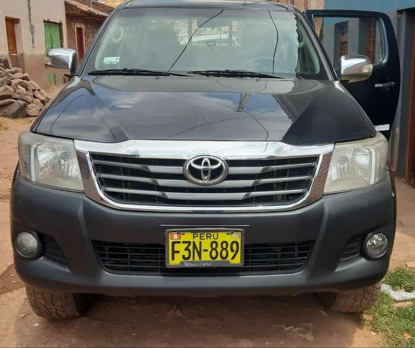 Toyota Hilux 2013 - 120000 km