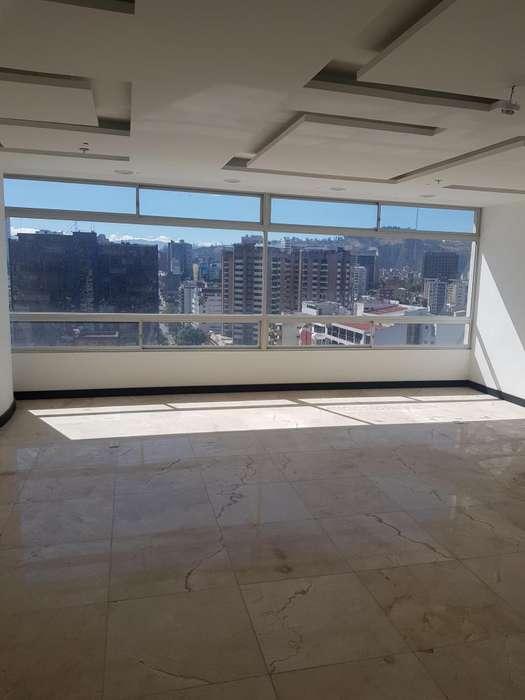 Edif. Amazonas Park, vendo <strong>oficina</strong> 45 m2, Av. amazonas y Av. Colón