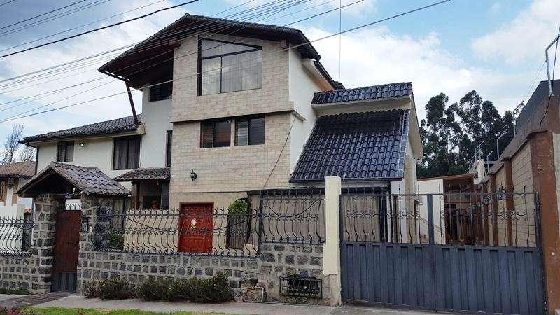 Departamento de Arriendo, Club Los Chillos, Sangolquí, 3 dormitorios, estudio, 120 m2