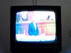 VENDO TELEVISOR PEQUEÑO MARCA PANASONIC