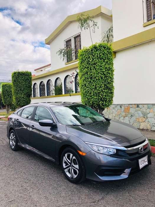 Honda Civic 2016 - 14000 km