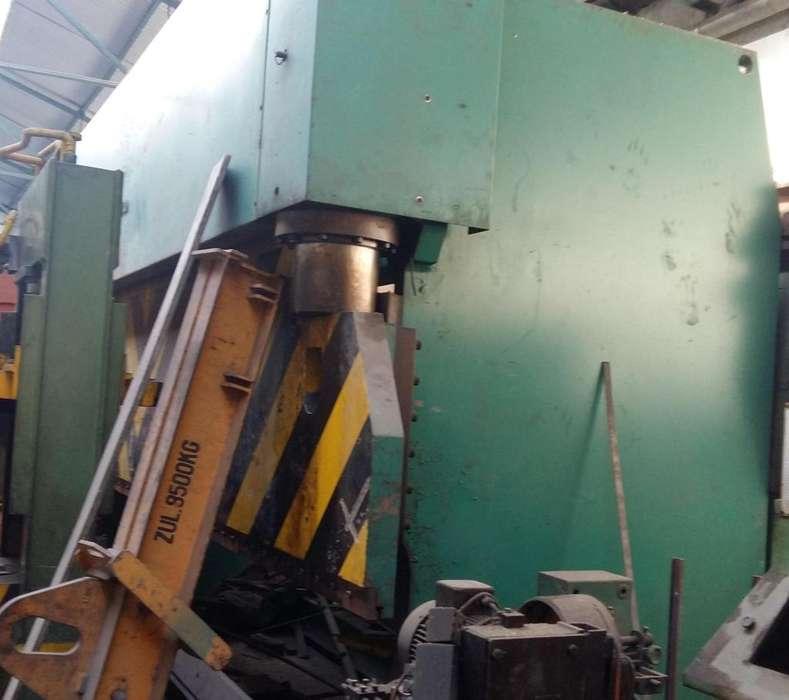 Plegadora de chapa Diamint de 6 mts x 300 tns hidraulica.