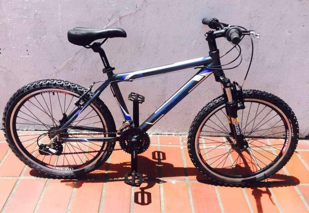 se vende una bicicleta semi profesional