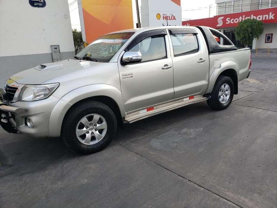 Toyota Hilux 2013 - 45000 km