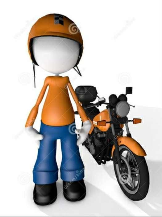 Mensajera con Moto