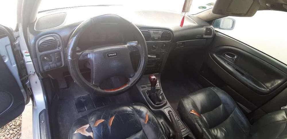 Volvo S40 1996 - 180000 km