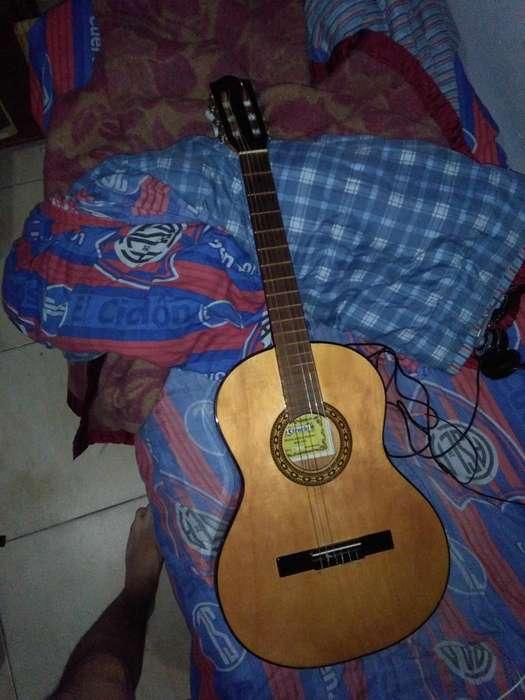 Guitarra criolla Gracia con funda original de tela modelo M2