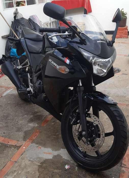 Vendo Honda Cbr250rr Como Nueva
