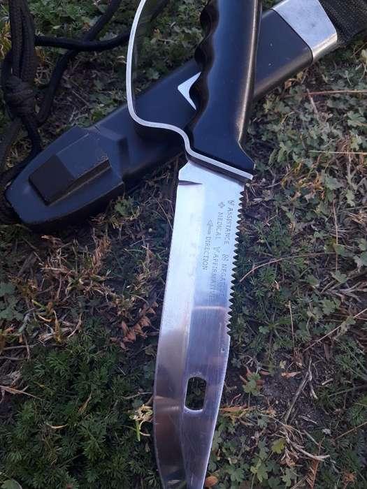 Cuchillo Commander 3