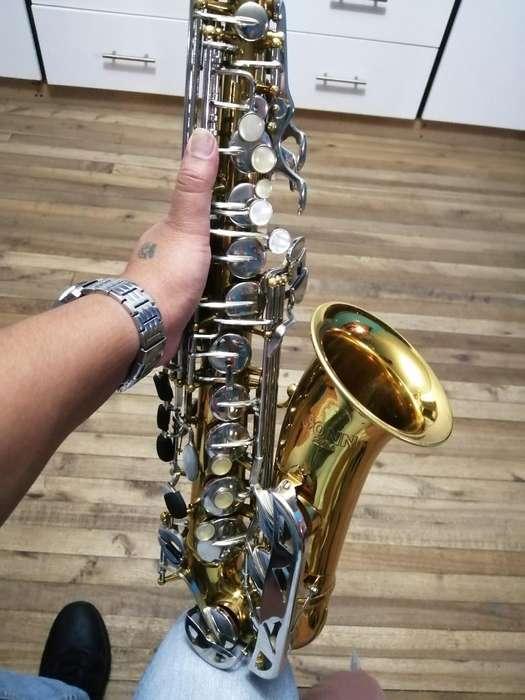 Saxofon Conn Americano Inf:0994840919