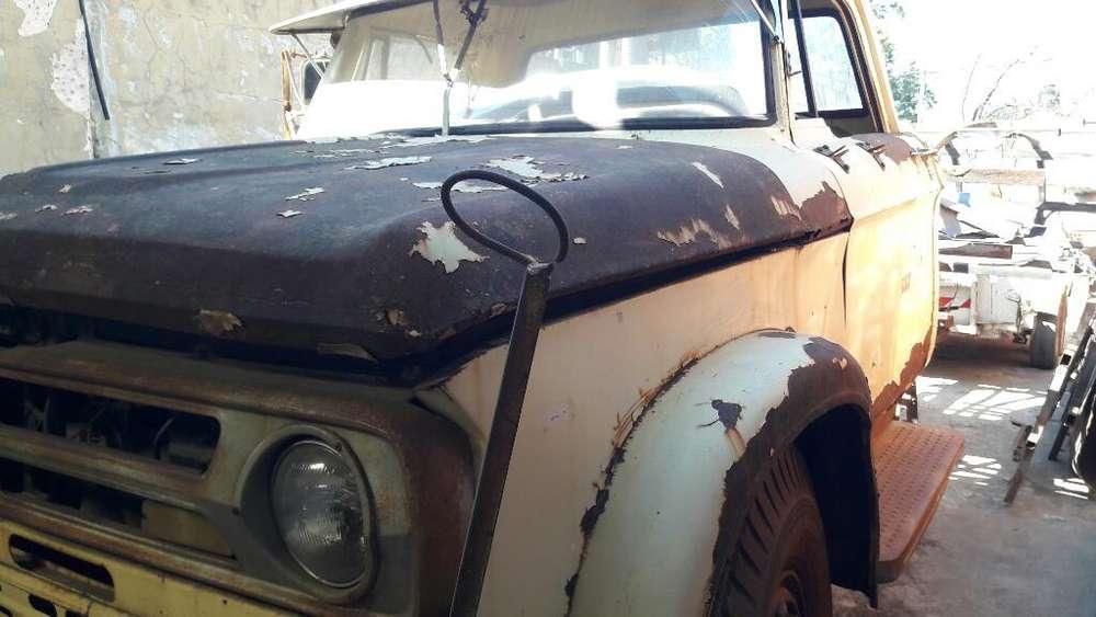 Dodge 800 a restaurar