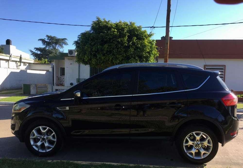 Ford Kuga 2010 - 130000 km