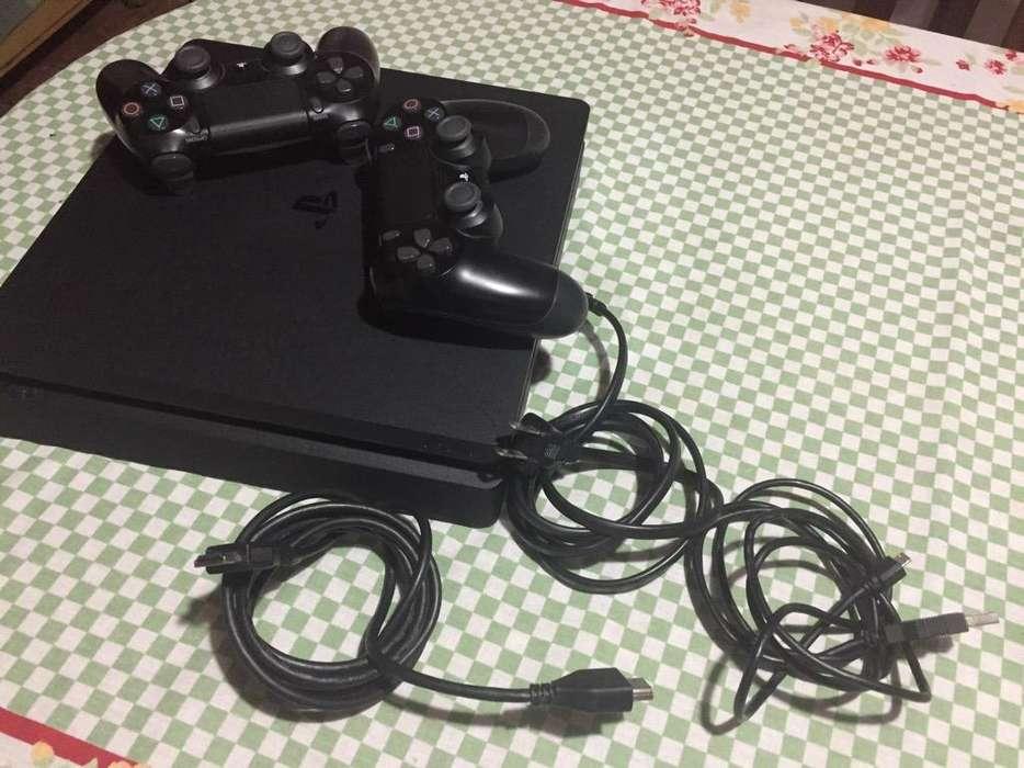 Playstation 4 Slim 500 Gb con 10 juegos