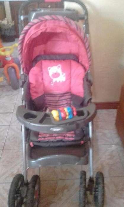 Coche para Bebé. Color Rosado .