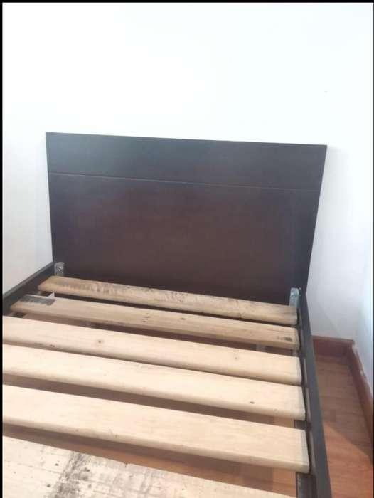 <strong>cama</strong> SENCILLA 1 m x 1.90 con mesa de noche. Excelente estado