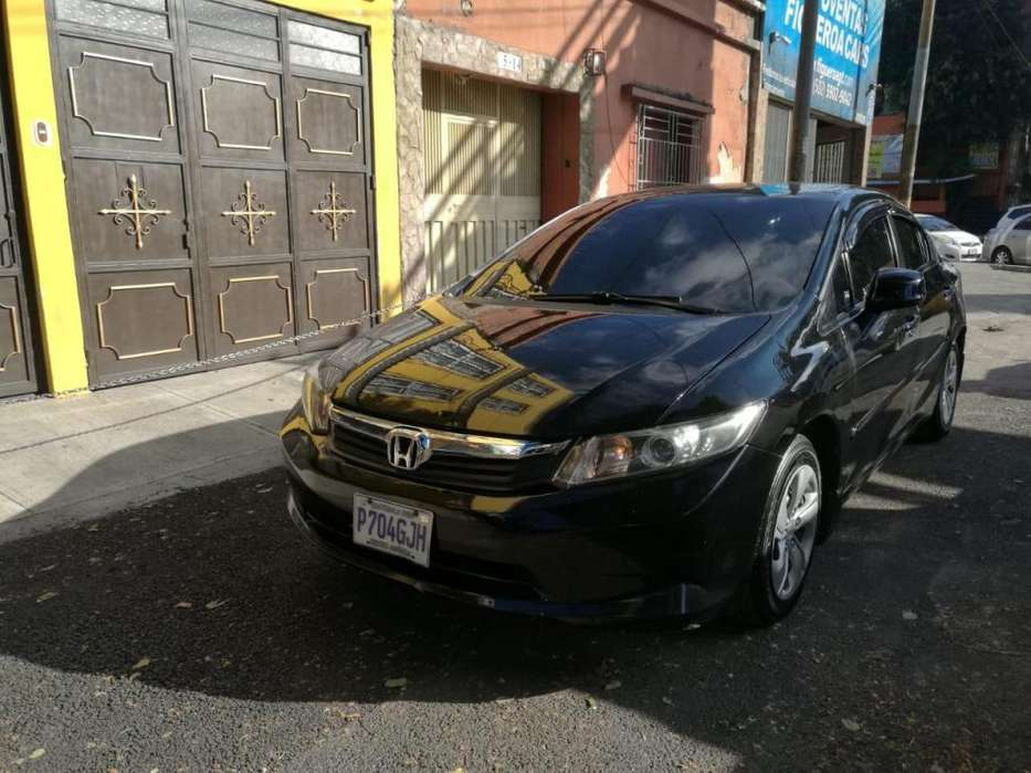 Honda Civic 2012 - 70000 km