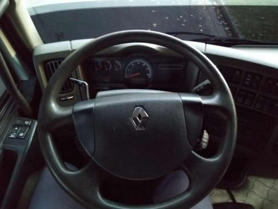 Urgente Vendo Camion Renault Premio 380 DXI Año 2012 con caja 1350000
