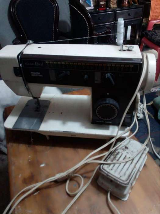 Máquina de Coser Icasa Real