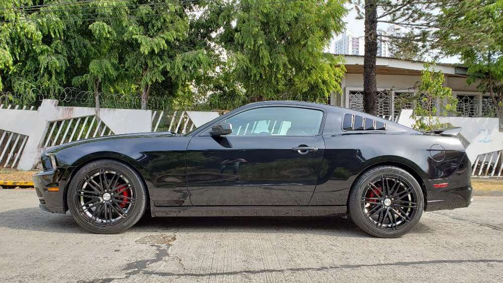 Ford Mustang 2013 - 81000 km