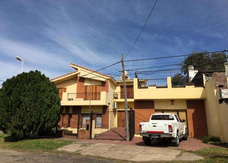 ALQUILO IMPORTANTE CASA EN PARACAO. 300 M2 CUBIERTOS