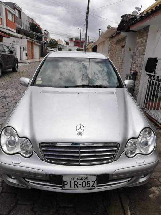 <strong>mercedes-benz</strong> Clase C 2005 - 150000 km