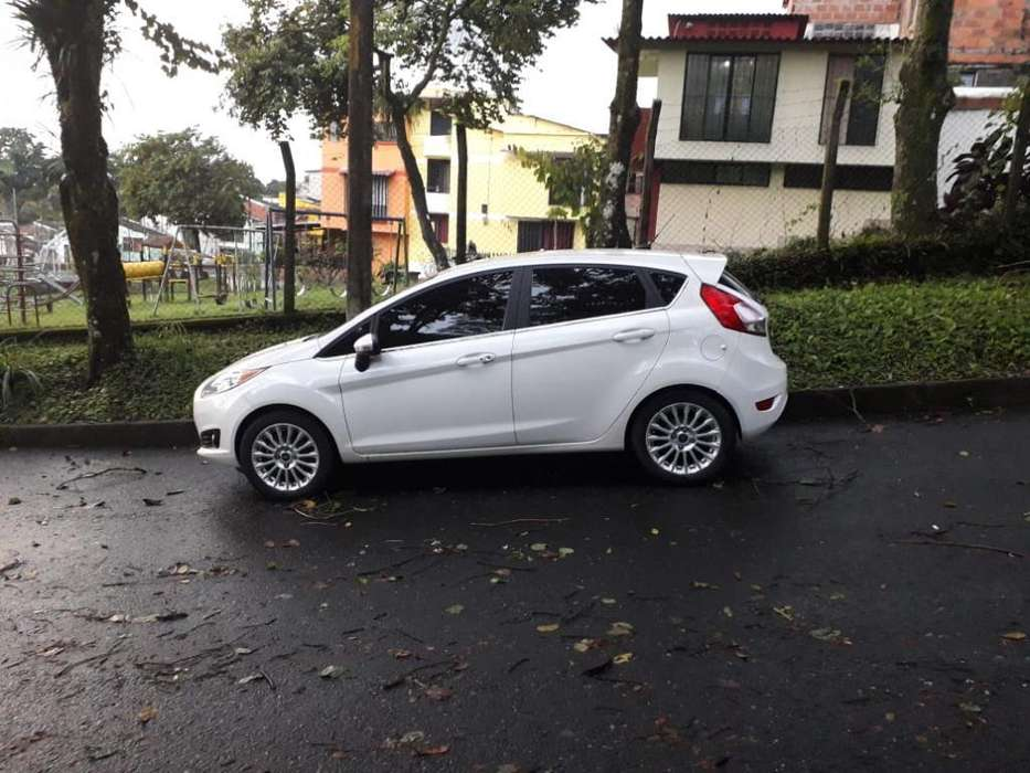 <strong>ford</strong> Fiesta  2016 - 46000 km
