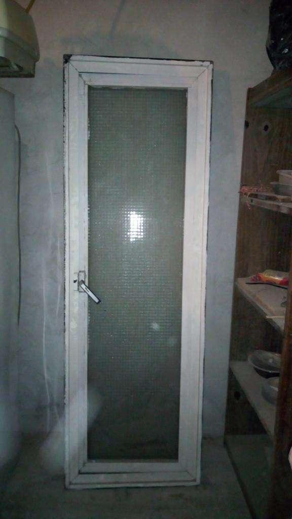 Vendo Ventana de Aluminio con Vidrio
