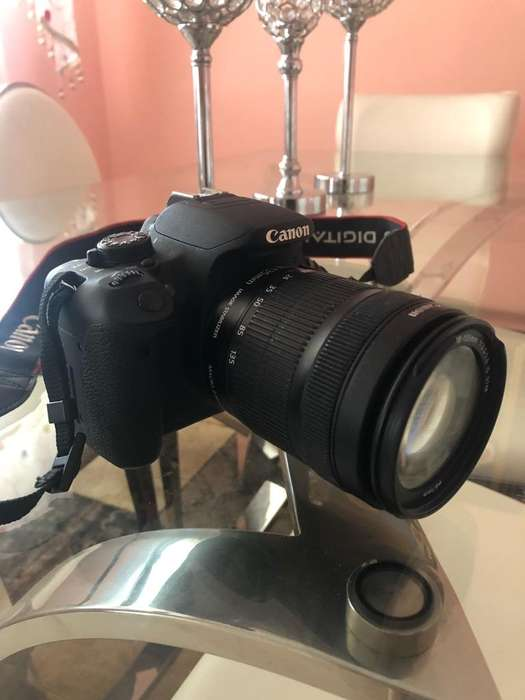 Canon T5I 18-135Mm