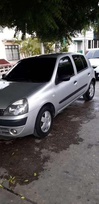 Renault Clio  2011 - 123000 km